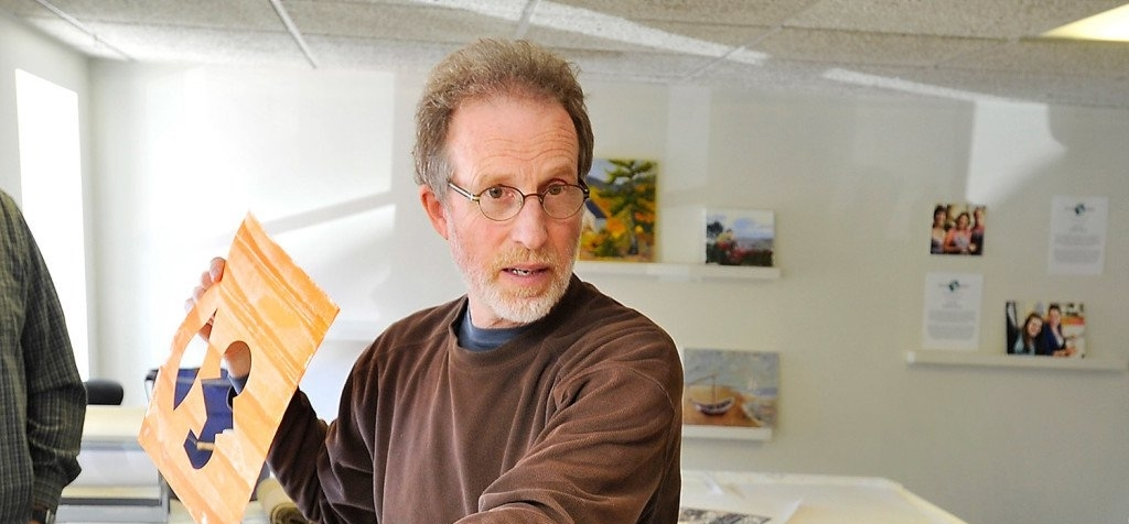 George Mason - The 2015 KISMET Foundation Artist-in-Residence led a class in encaustic painting to artists.Gordon Chibroski/Staff Photographer