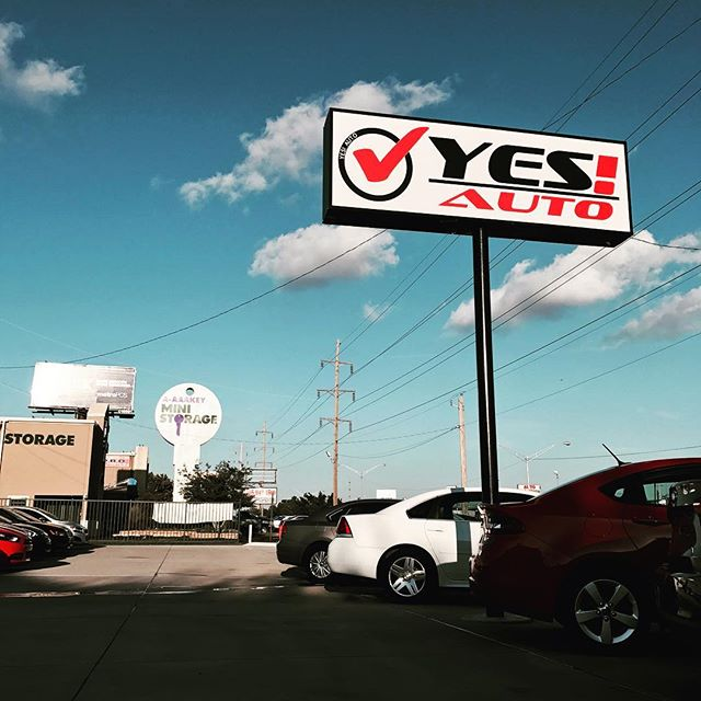 We welcome @yes_auto_credit as one of our newest clients! Honored to be working with you. #pictureday #odysseusdigitalmarketing #cardealership #yesauto
