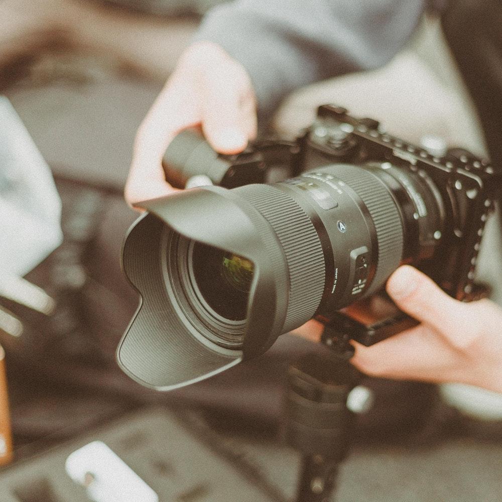 camera-camera-equipment-camera-lens-1097768 (1).jpg