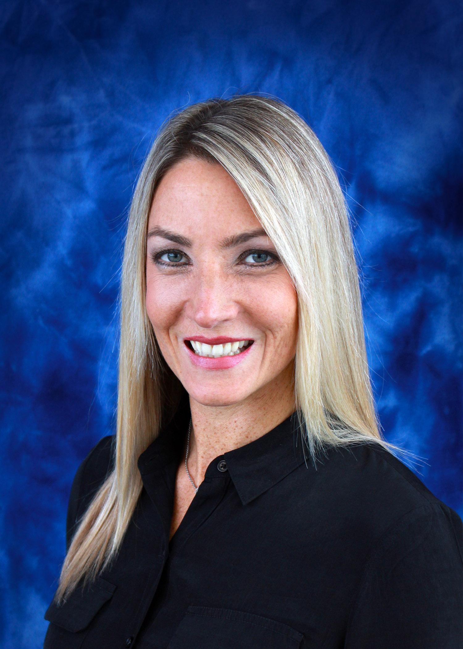 Sommer Vriezelaar    Executive Director Oregon Economic Development Foundation    Oregon Rec Marketing & Commutations Coordinator