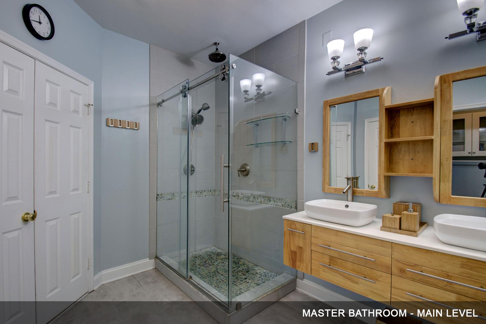 12-Master-bathroom-b.jpg