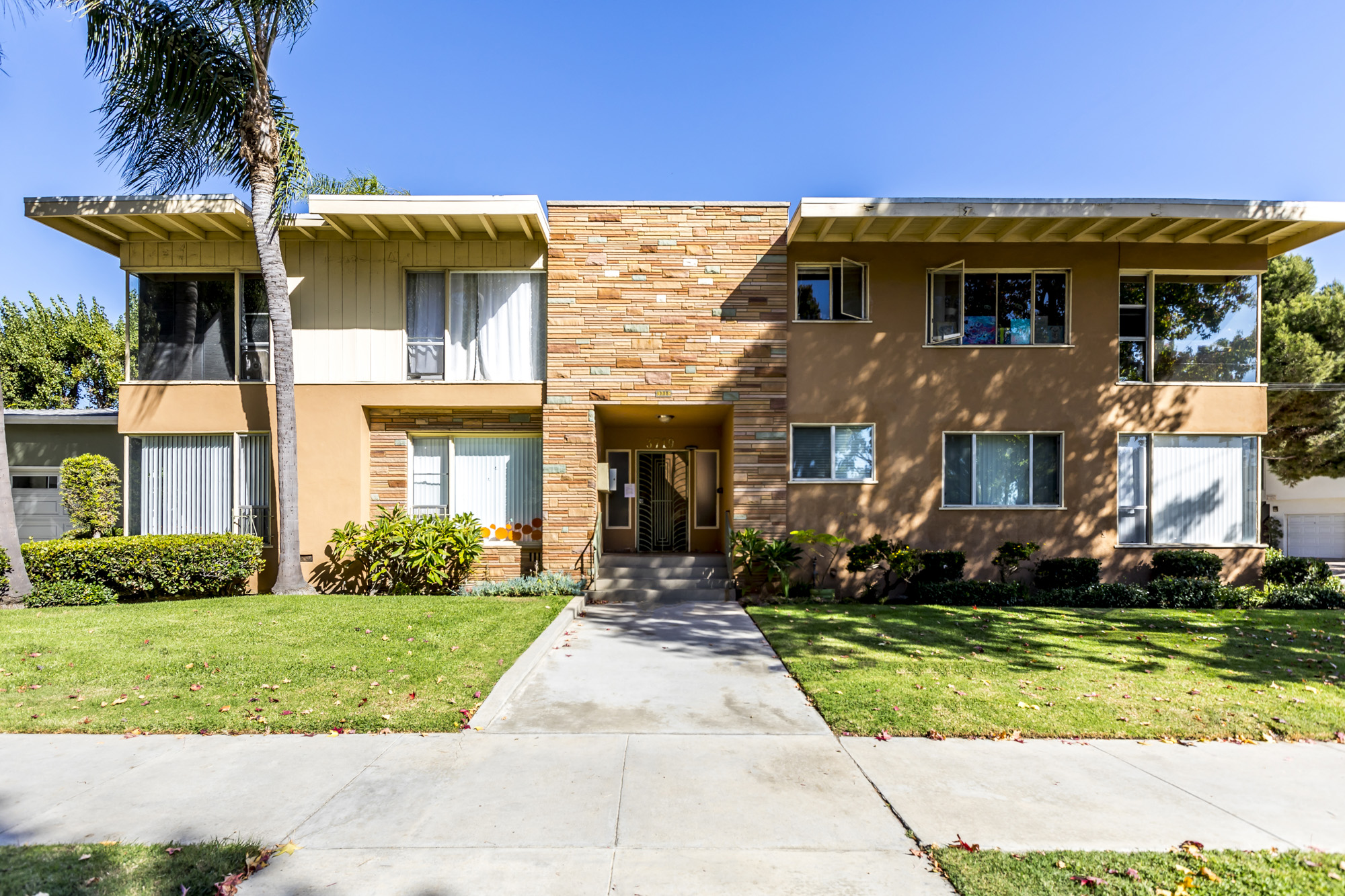 3719 East 1st St, Long Beach, CA 90803