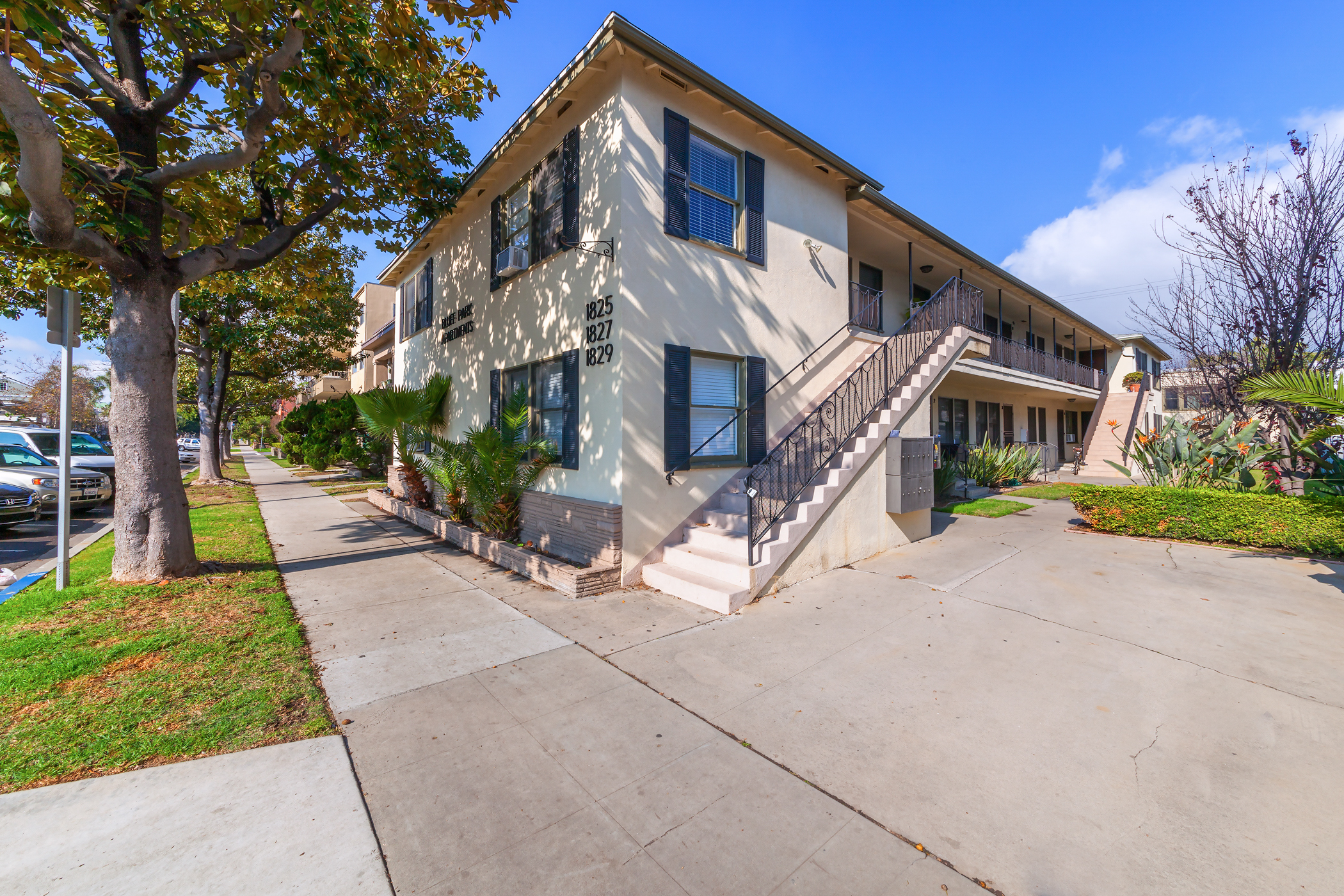 1825 East 1st Street, Long Beach, CA 90802