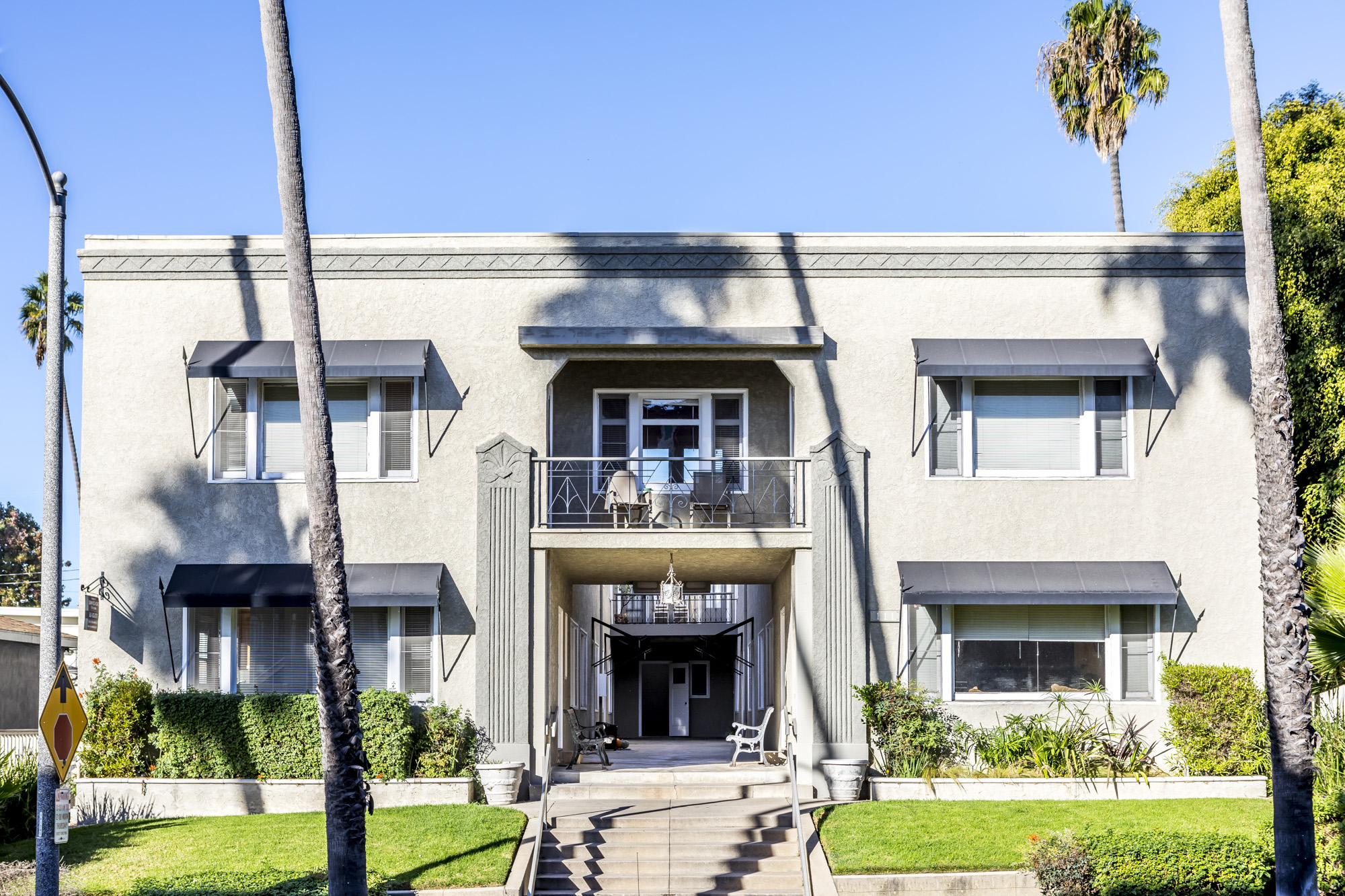 111 Termino Avenue, Long Beach, CA 90803