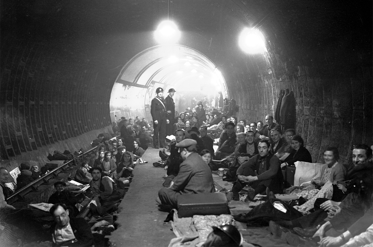 24-Aldwych-Underground-Station-London-during-the-Blitz-Oct-8-1940-01October-8-1940-01.jpg