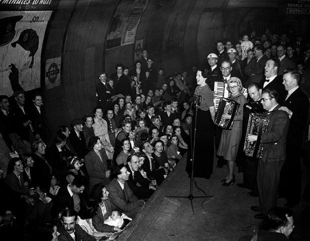 1940-aldwych-band_1723415i.jpg