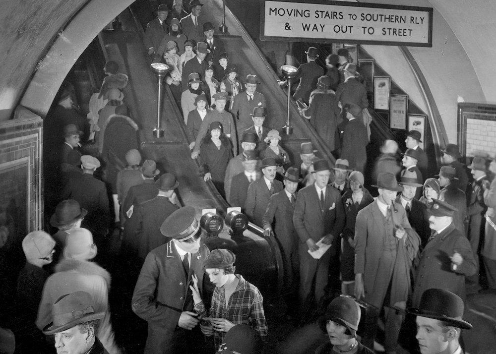 underground-1928-004-00m-lta-underground-crowd.jpg