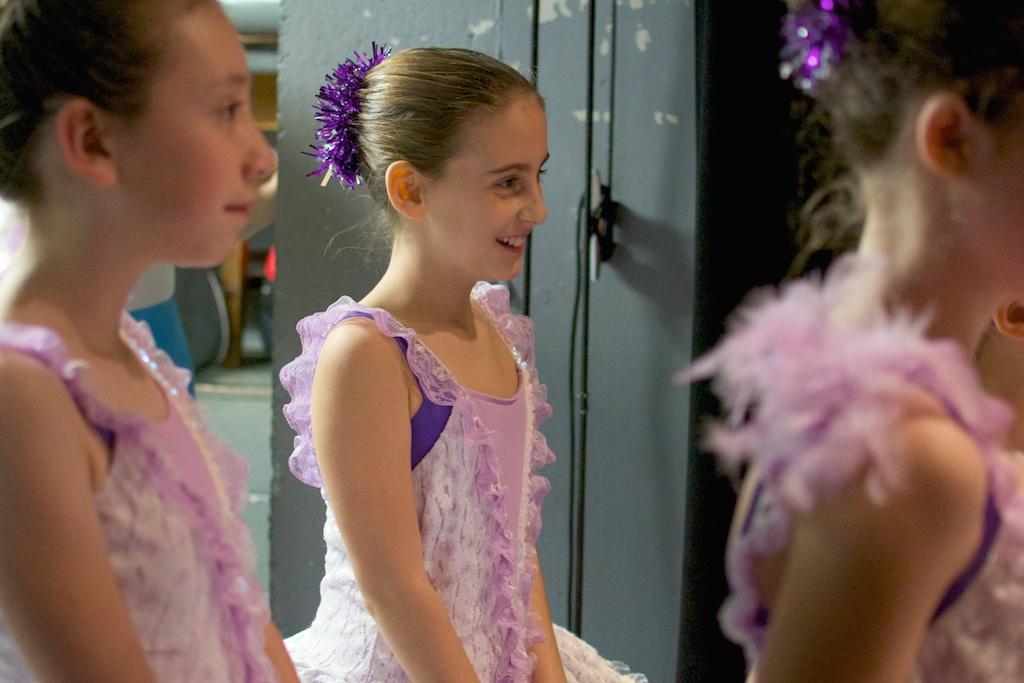 Karin Hobby Dance Academy - Ballet Dancers Backstage December Dances