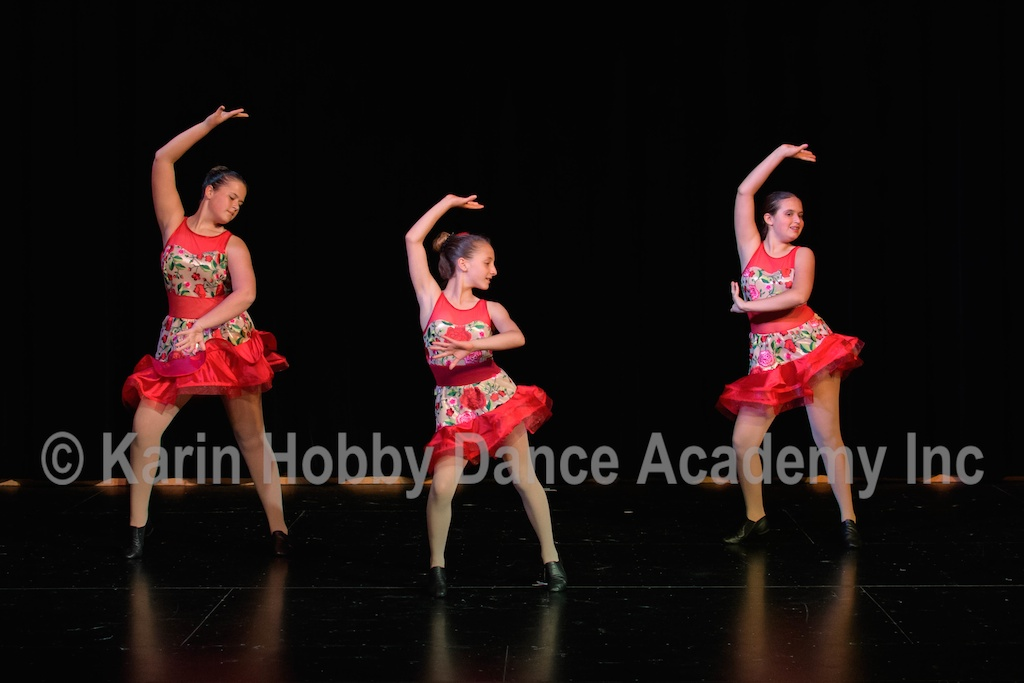 KHDANCE_All_Aboard_On_Stage_2017_031.jpg