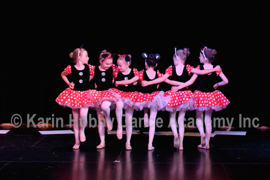 KHDANCE_All_Aboard_On_Stage_2017_022.jpg