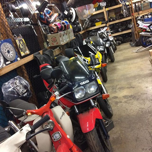 If you need a good shop, with swell folk and lots of old bikes and parts, hit up @bent.bike.ltd in Langley. They are some of the best. 🏍❤️✌️ . . . . .  #ride #Discovery #Rider #Freedom #Moto #Motorcycle #MotorcycleLife #FreedomIsAFullTank #BikeLife #Bike #TwoWheels #Life #RideTale #ThisIsRT #instamoto #supermoto #instamotogallery #instabike #bikersofinstagram #instamotorcycle #instamotor #cruisin #bikestagram #Kawasaki