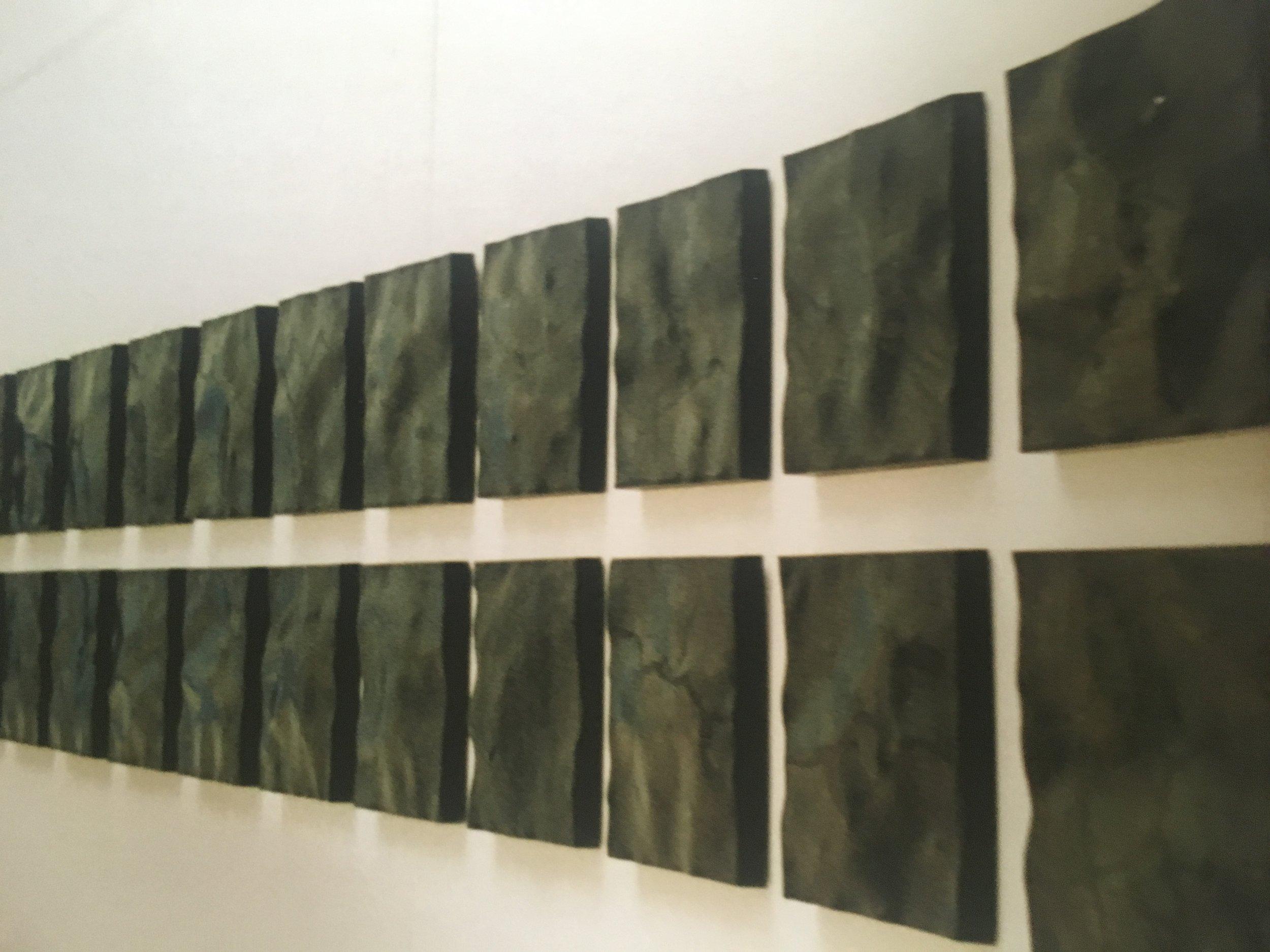 62 relieffer. Sortbrændt jern. Grønningen. Hver 44x40 cm. 2002.