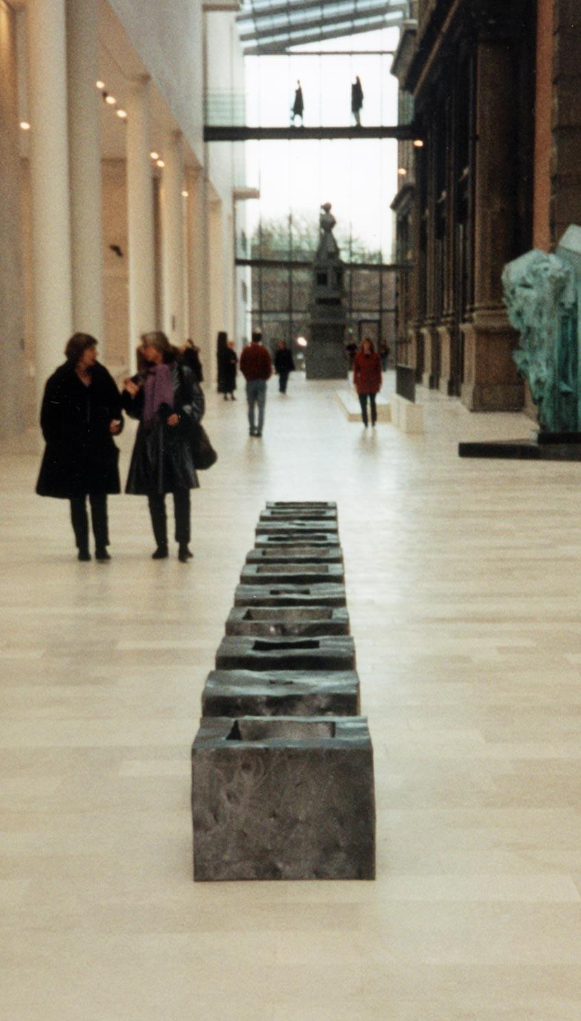 Skulptur i 13 dele. Jern. Statens Museum for Kunst. 1993.