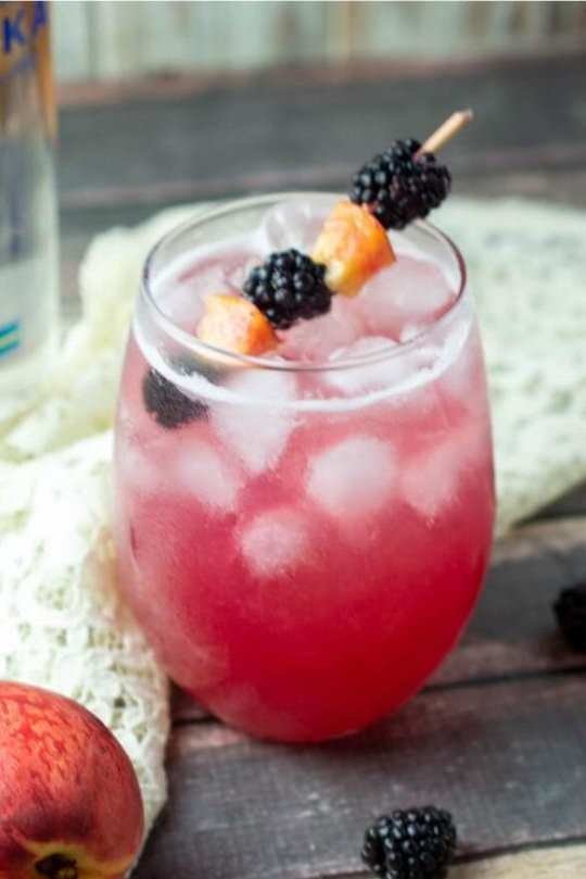 Recipe-for-Blackberry-Peach-Vodka+Cocktail-best+brunch+cocktail+recipes+on+the+internet+bloody+mary+obsessed.jpg