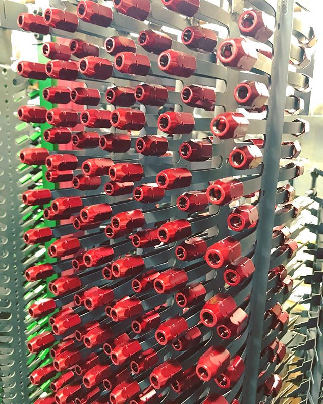 Chicago Anodizing is a leading supplier to the gage and hand tool industry. Our bright color finishes help our customers differentiate themselves from their competition. Visit our website for more information (link in bio)! 📸: @cserri21 #anodizing #anodized #anodize #anodizer #anodizingservices #anodizedaluminum #aluminum #cnc #cncmachine #cncmachining #cncmachinist #cncowner #cncshop #cncowners #cncporn #haas #haascnc #metalfinishing #metalplating #electroplating #surfacefinish #productdesign #designer #chicagoanodizing