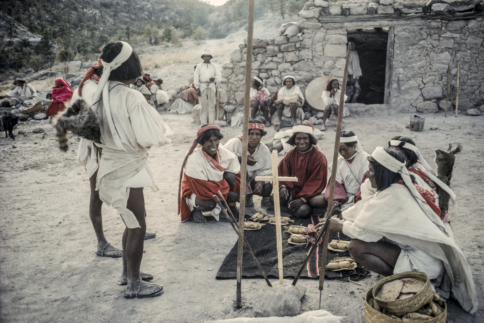 Holy week, food distribution to ritual authorities