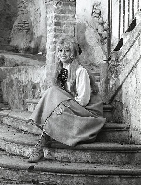 """Brigitte Bardot during the filming of """"Viva María"""""""