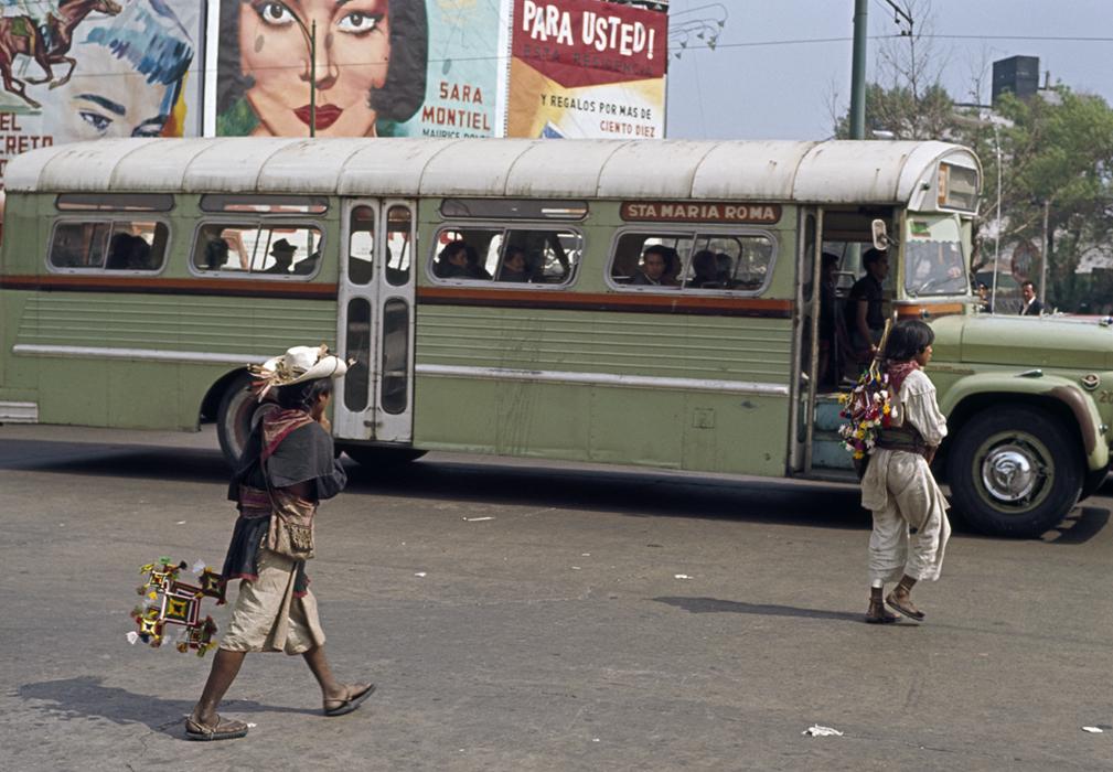 Huicholes at the City