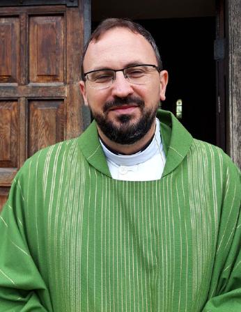 Pastor Mate Rada  Romersk-Katolsk sognepræst i Skt. Laurentii Kirke, Roskilde Email:  mate.radja@gmail.com  Telefon: 71 72 79 08