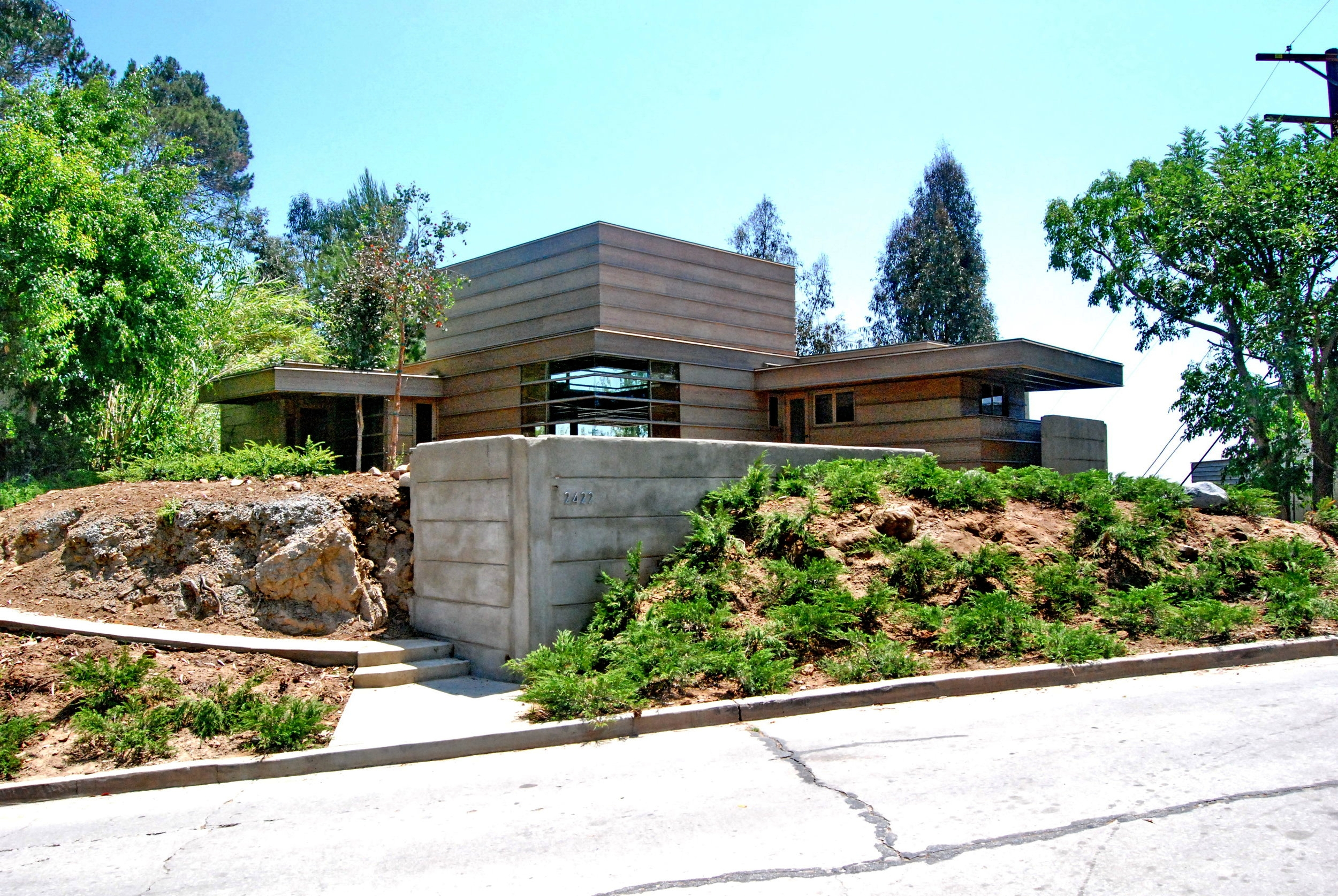 The James Eads How House in Silverlake - Built in 1925 by famous architect Rudolf Schindler