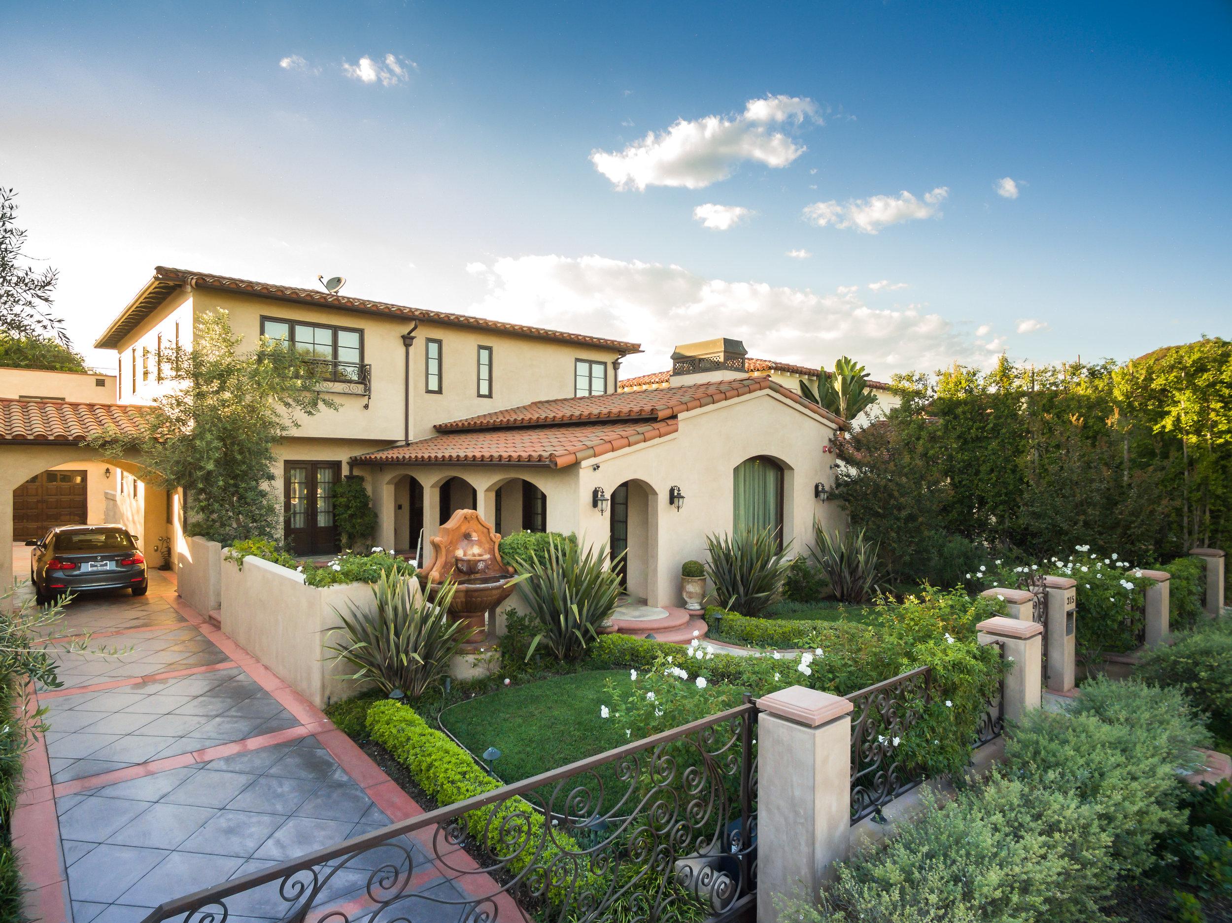 Dream-Luxury-Mansions.jpg