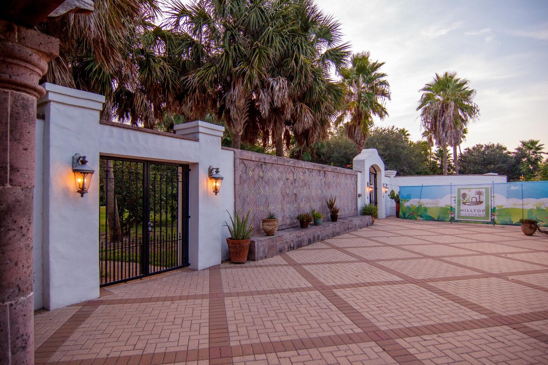 Hilltop Gardens Entrance