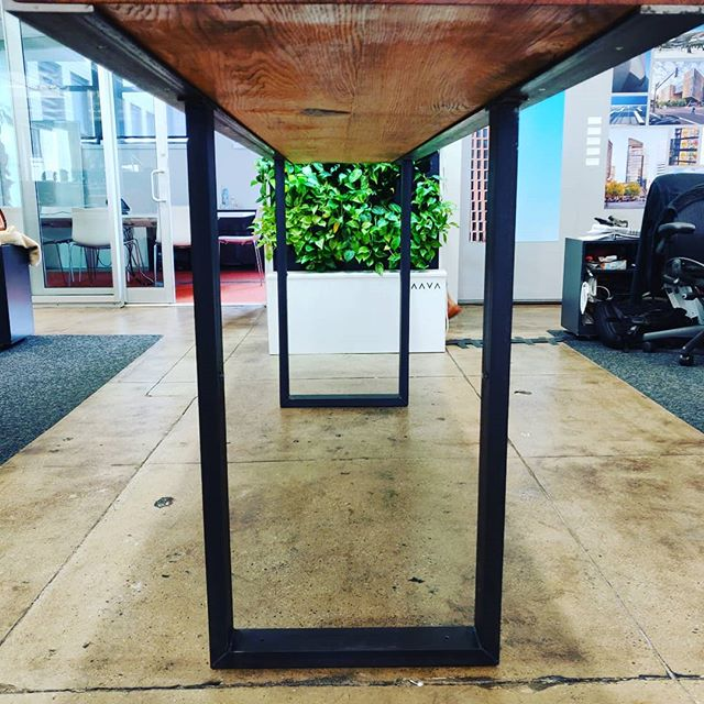 Under the hood. #diyoung #bhtables #woodwork #metalwork #officefurniture #table #oak