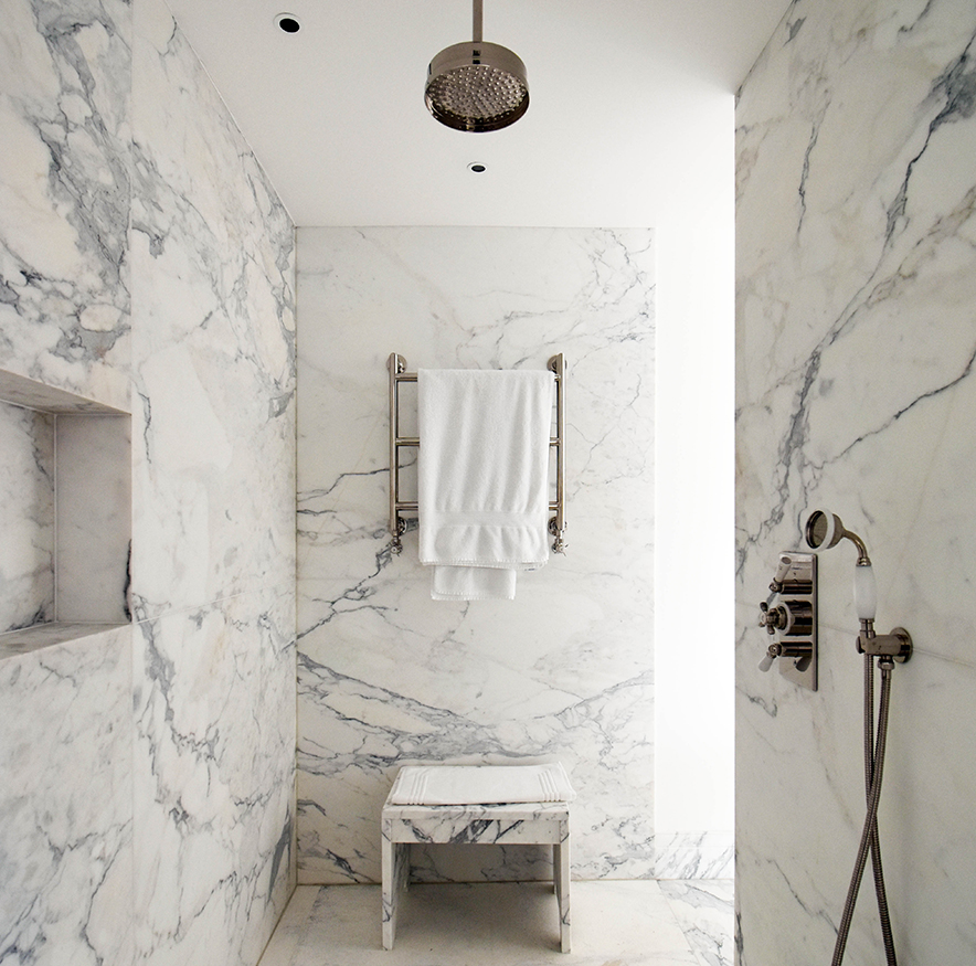 Examples of bathrooms and shower rooms.