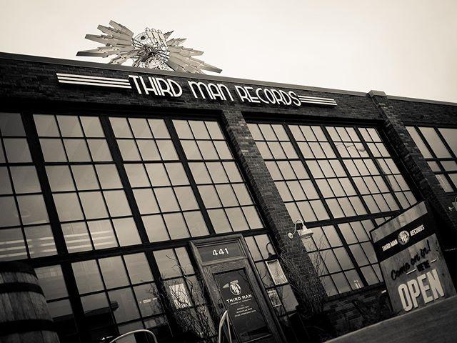 Next stop, the Motor City with the crew @thirdmanrecords ! #thiscraftnation #taketheride #gonzo #season2 #detroit #motorcity #michigan #travel #travelers #amtrak #ontheroad #music #friends #thirdmanrecords #casscorridor #podcast #interview #makingmusic #recordingstudio #recordlabel #record #blackandwhite #instagood