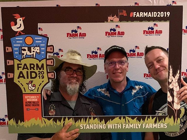 Good times at the Eve of Farm Aid last night! We're taking all the farmer and farmer advocate energy into @farmaid today for the big show! We can't wait to see all our friends, new and old to help raise up the voices of all who grow and raise out food every day of the year! #thiscraftnation #taketheride #gonzo #farmaid #farmaid2019 #wisconsin #alpinevalley #music #livemusic #familyfarm #farmadvocate #farmadvocacy #smallfarm #localfarm #farmersmarket #travel #travelers #love #friends