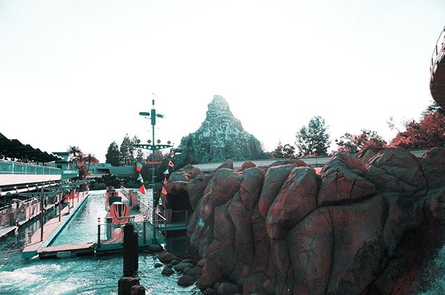 THE TEAL PINK PROJECT: 036 * * * #ttpp #thetealpinkproject #tealpink #teal #pink #project #sonya6000 #gopro #djimavic #disneyland #photography