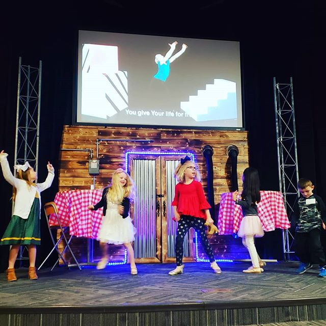 Happy Wednesday! Shout out to our awesome little worship leaders who get the rest of us pumped for the morning!  God help us to get excited about You! Help us to sing, dance and praise You for the day You have made!  #worshipwednesday #worship #worshipleaders #crosspointkaty #cpkids #kidsministry #childrensministry #nextgen #kidsmin #katykids #Katychurches #lovemychurch #lifeatcrosspoint #followjesus #showup #speaklife #changetheworld #jesuslovesyou  #kidsservingkids #252kids
