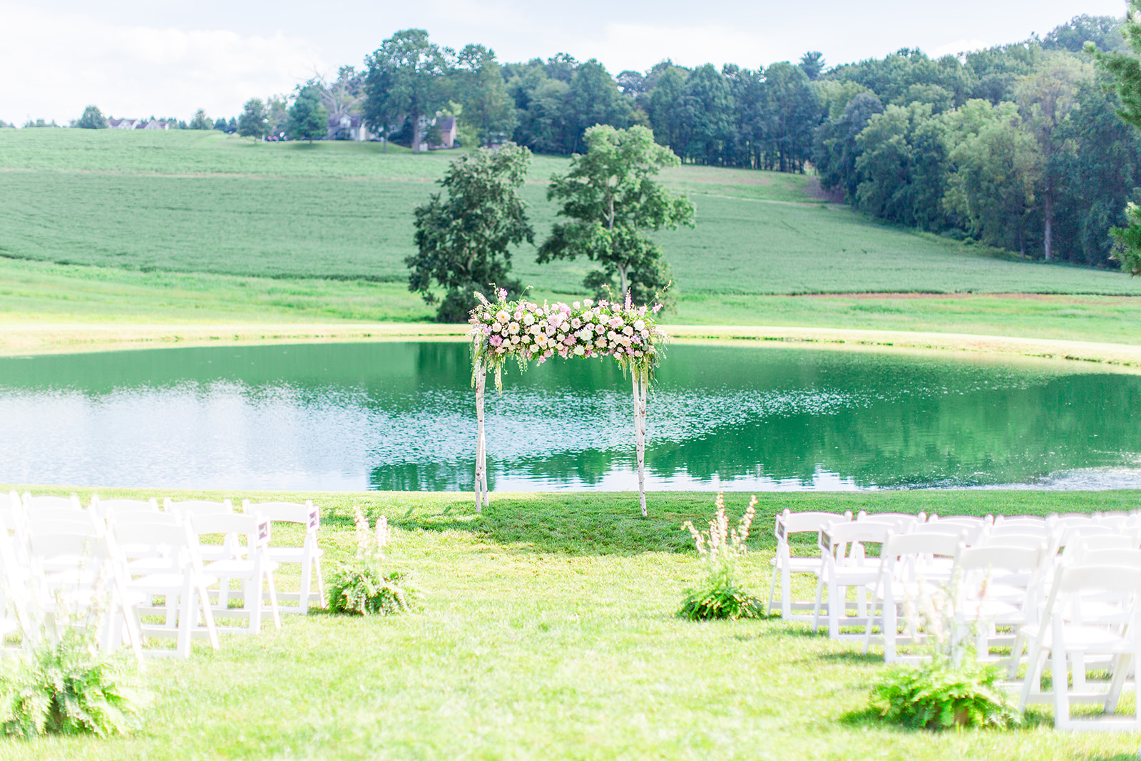 Florals by Love & Luster, Chesapeake Charm Photography at Stone Ridge Hollow