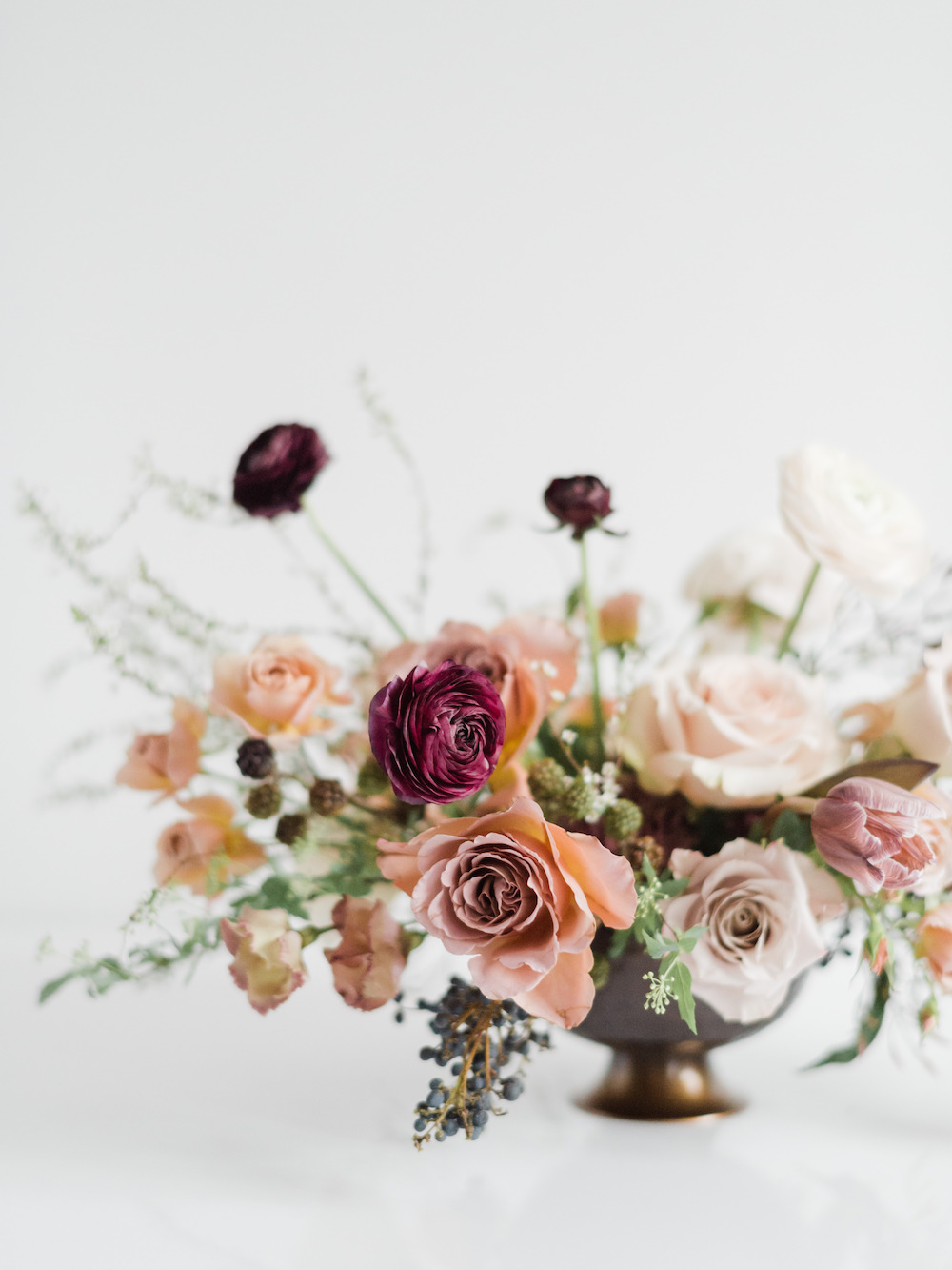 Moody compote by Luster Floral Design at Sinclair and Moore Workshop, photo by Kristen Honeycutt Photo Co.jpg