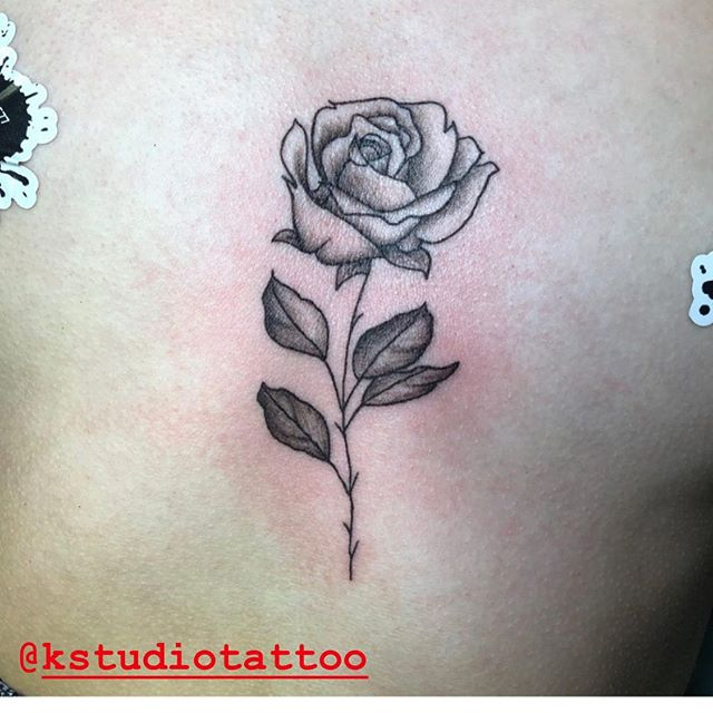 🥀Rose piece done by Kimmins! Instead of getting her a real flower why not get her a flower tattoo by one of our amazing artists! #tattoo #tattoos #tats #ink #inked #yeg #yegartist #yegtattooartists #whyteavetattoo #whyteave #eternalinkwhyteave #eternalink #cutetattoo #cutetattoos #tattoostagram #instatattoo #rosetattoo