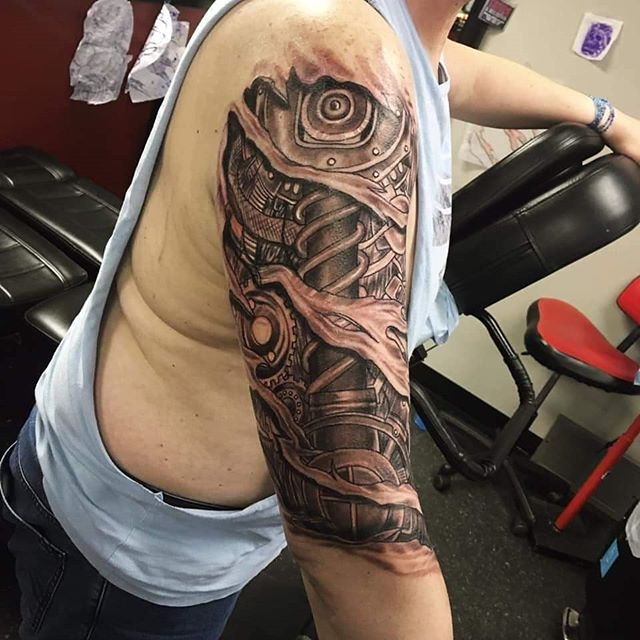 Milly @whiteowltattoos did this biomechanical sleeve yesterday! The client sat like a champ for our all day rate 🤟 For those of you wondering... for 8 hours of #inktherapy we charge $850. Talk about a killer deal! Milly has openings for walk ins next week so come on in, check his portfolio.... and book an appointment 😏😉 #yeg #yeggers #yegliving #yeglocal #yegtattoo #edmonton #edmontonliving #edmontontattoos  #yegartist #yegtattooartist #supportlocal #yeglife #yegbusiness #picoftheday #tattoos #yegdesign #tattooartist #yegliving #yeglife #yegstyle #yegarts #ink #inked #steampunk #biomechanical #inktherapy #weekendvibes #biomechanicaltattoo