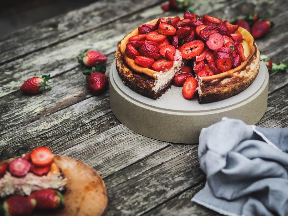 strawberry quark cheesecake.jpg