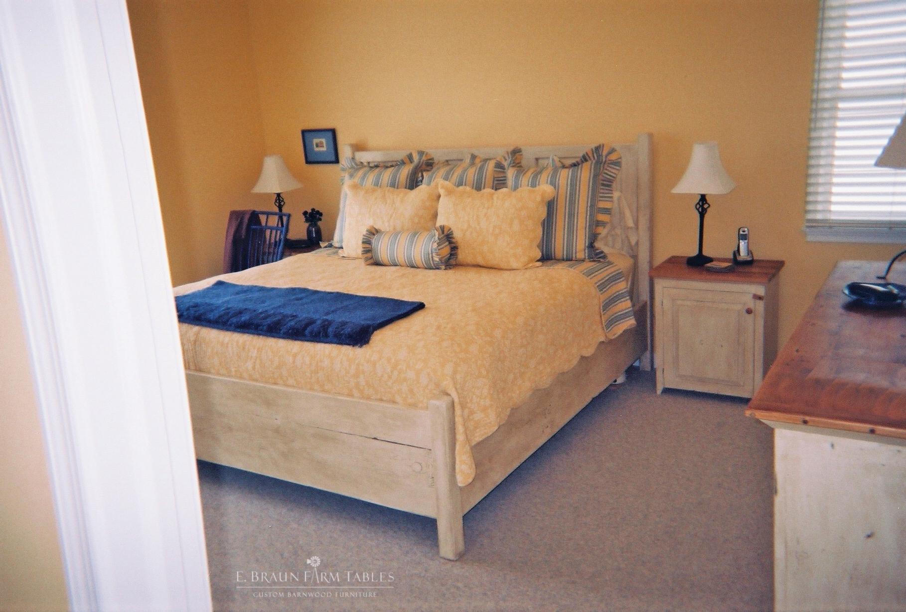 BR38 - Raised Panel Bed