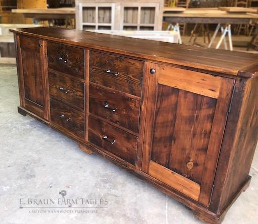 BR67 - Dresser