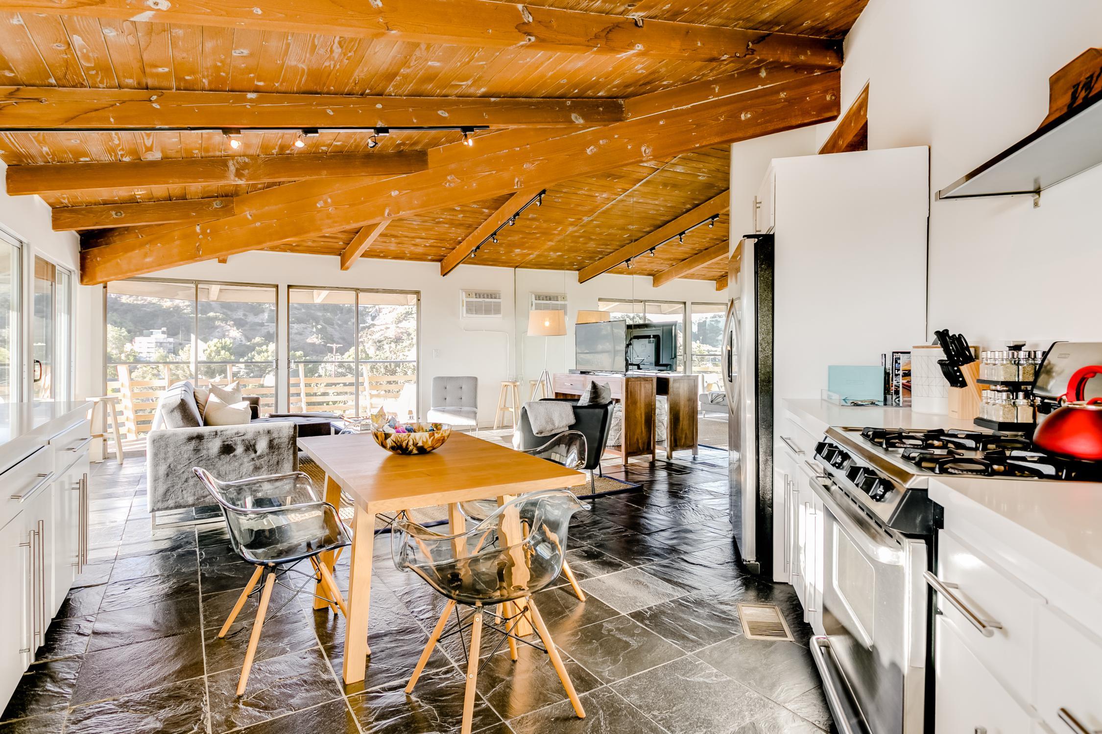 airbnb-LA-1.jpg