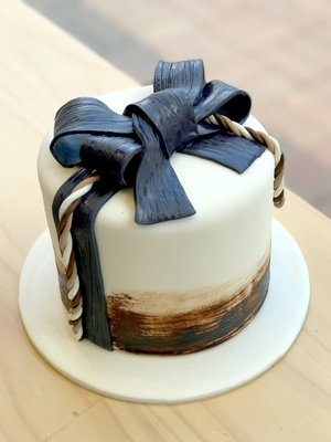 Blue+Bow+cake.jpg