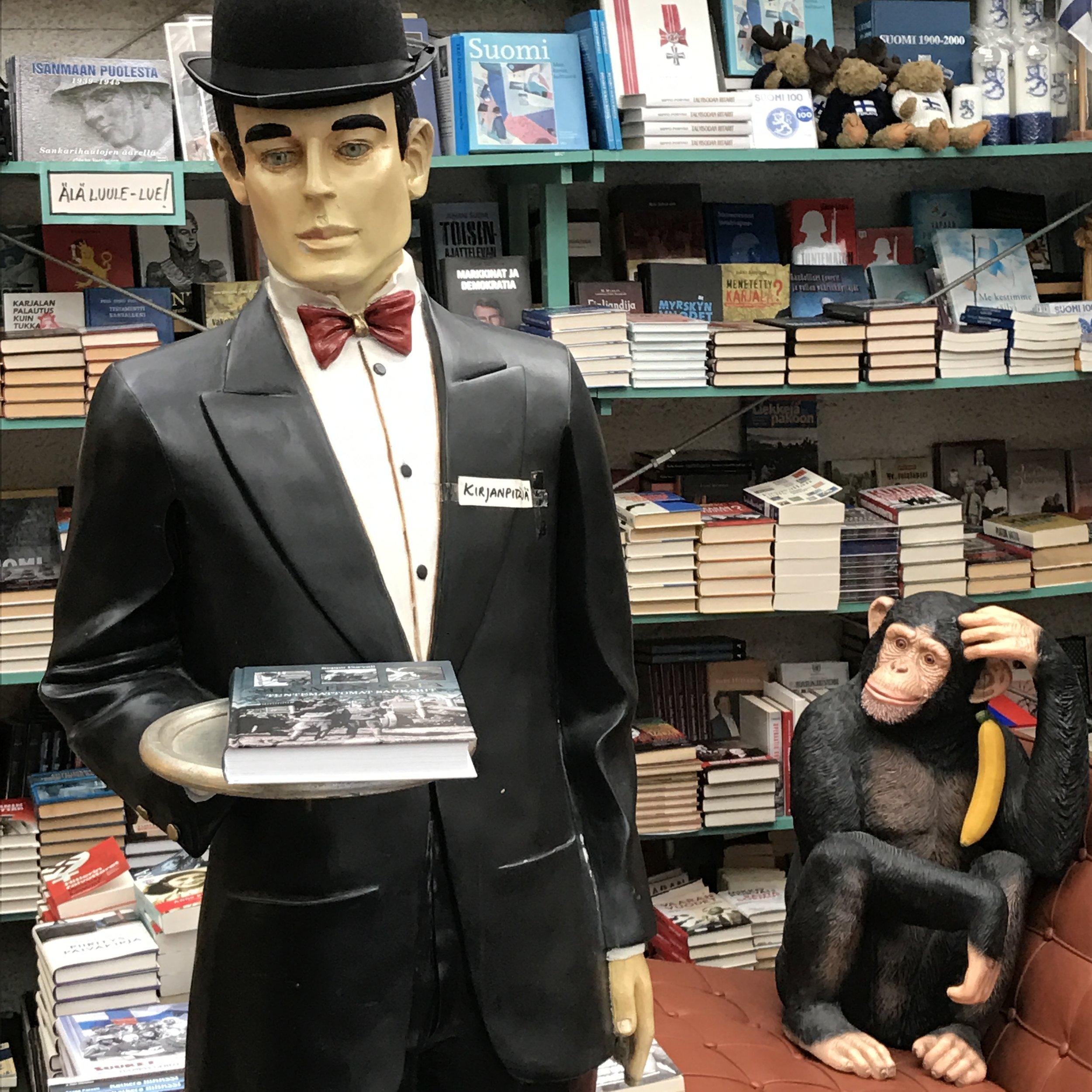 Kirjanpitäjä patsas 1100€