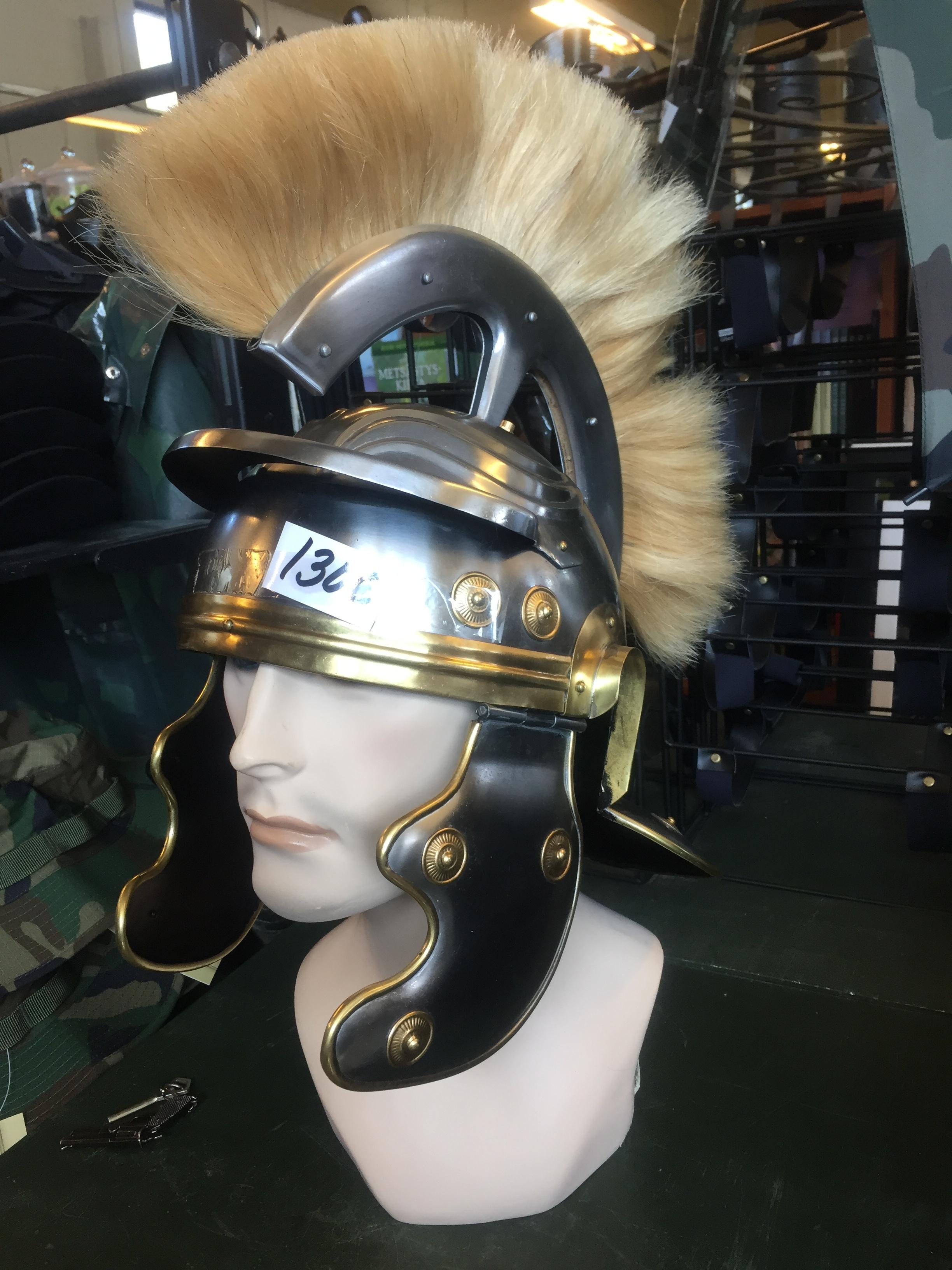 Roomalainen kypärä 130€