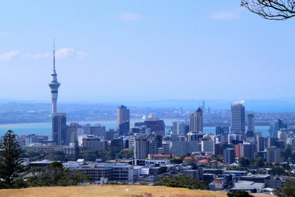 VIEW OF AUCKLAND SKYLINE FROM THE MOUNT EDEN SUMMIT