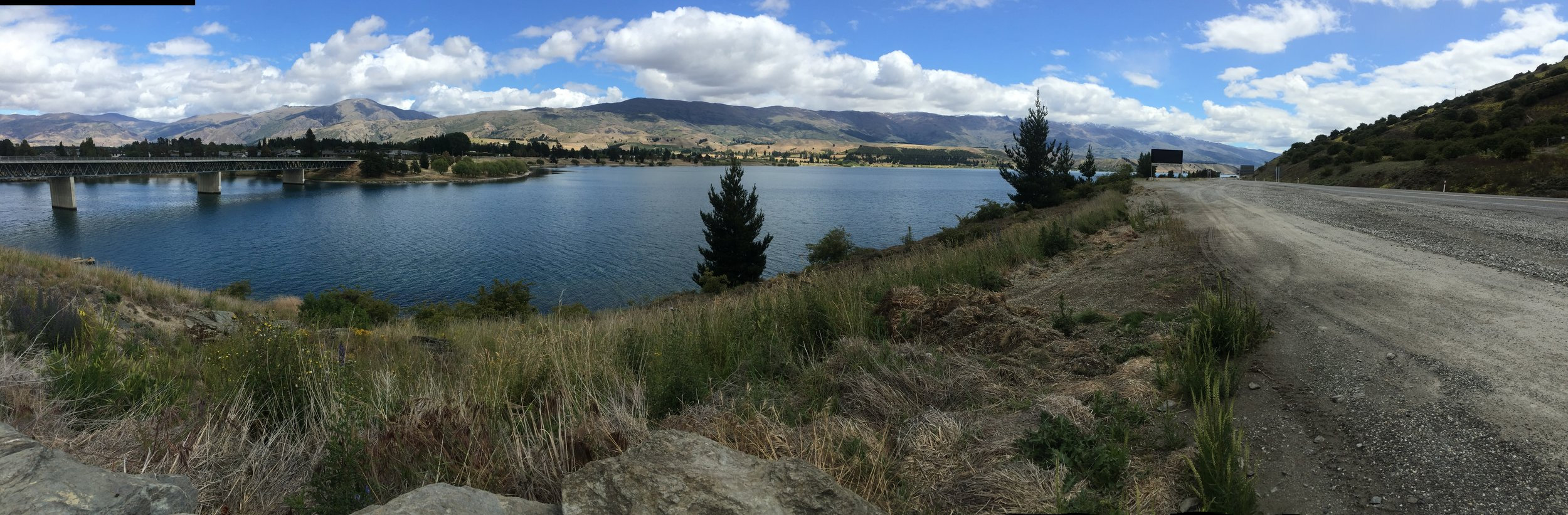 SCENIC LOOK OUT ENROUTE TO LAKE TEKAPO FROM QUEENSTOWN