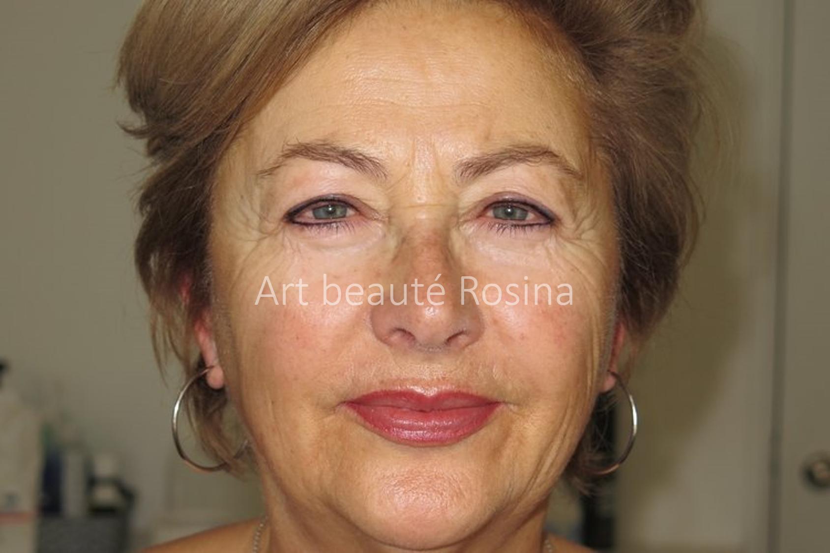Eyeliner haut et bas et bouche pigmentés