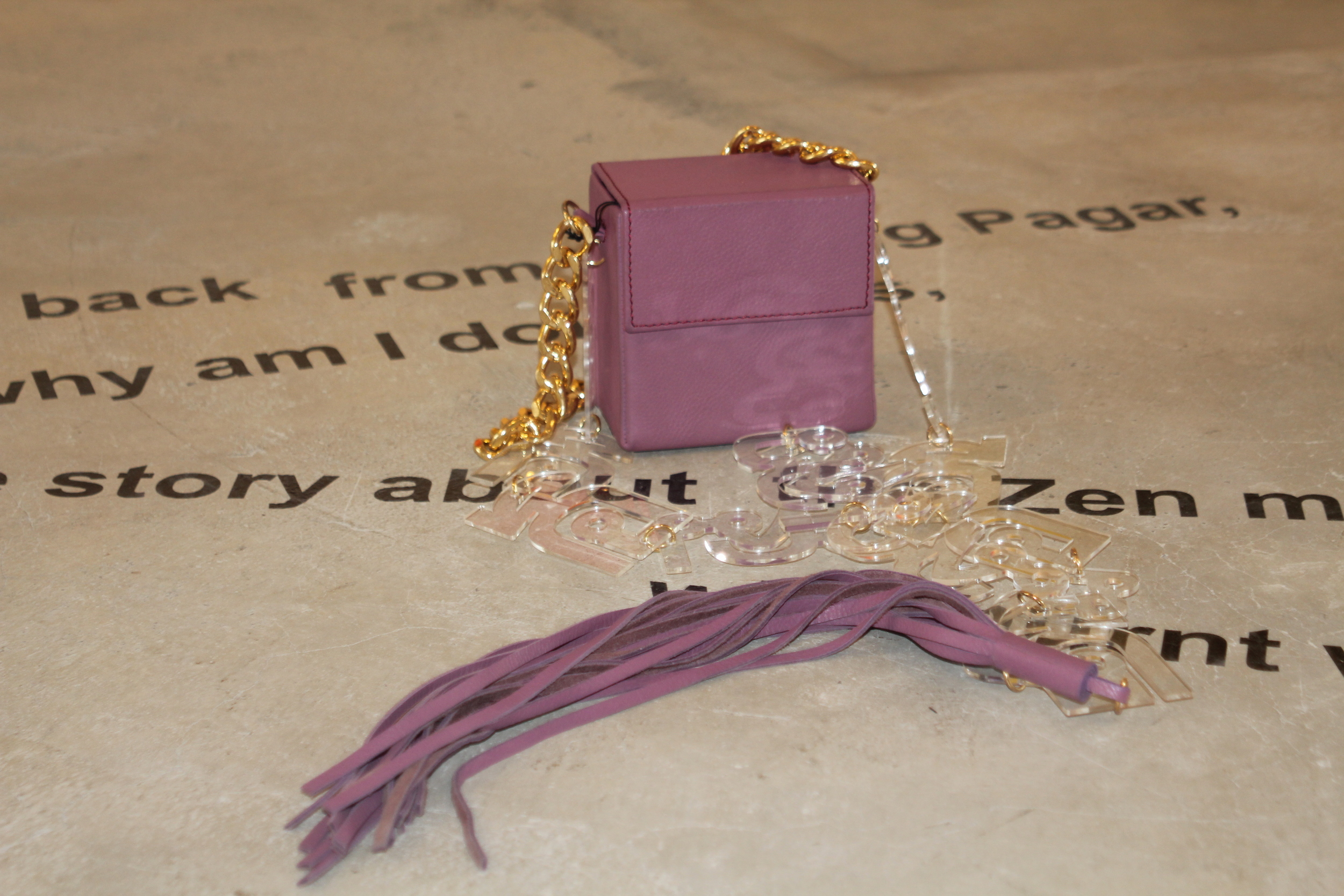 Good and Bad, Leather Box Bag, mauve with gold chain