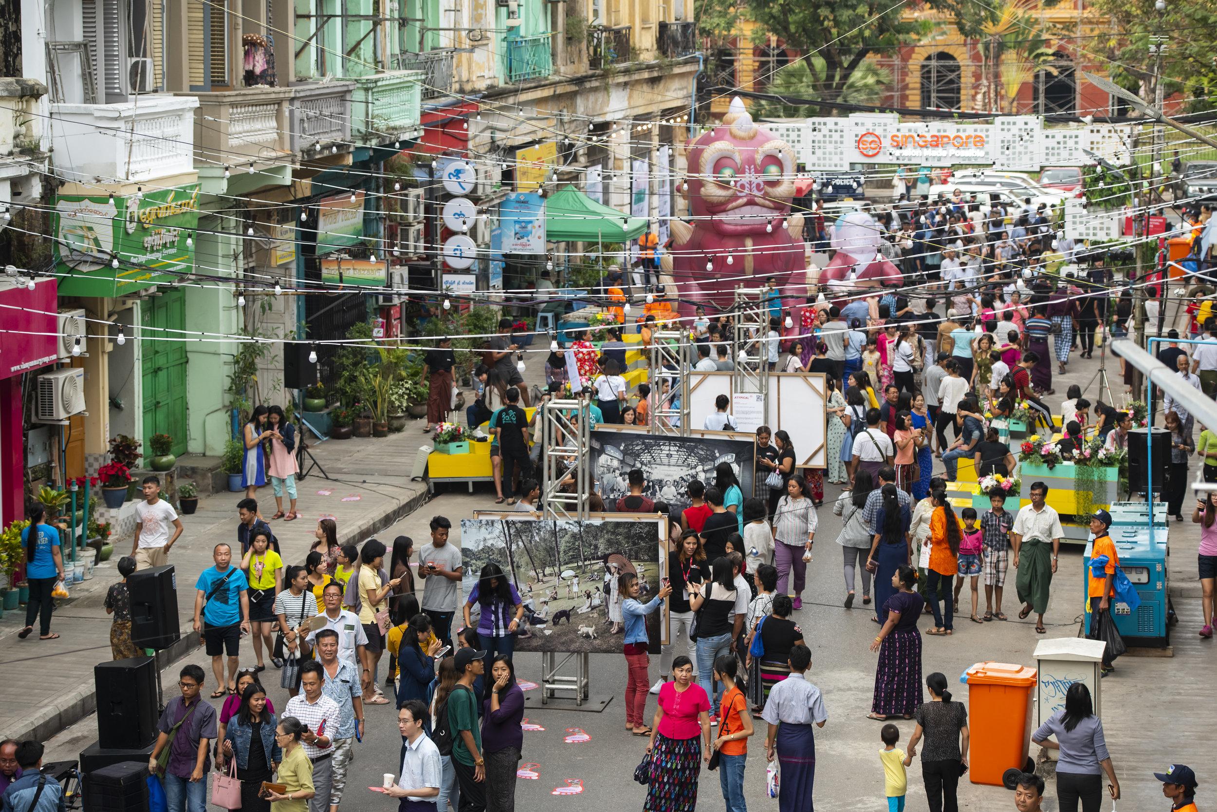 Atypical Yangon Day 3013.jpg