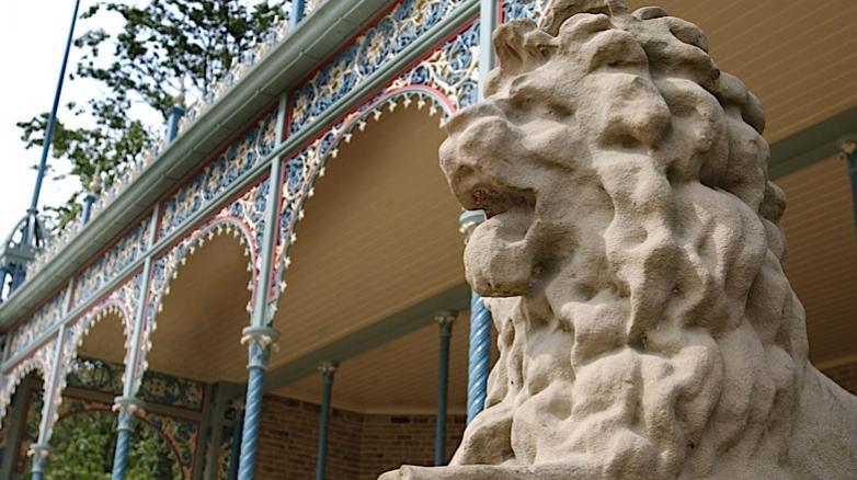 lionsden11.jpg