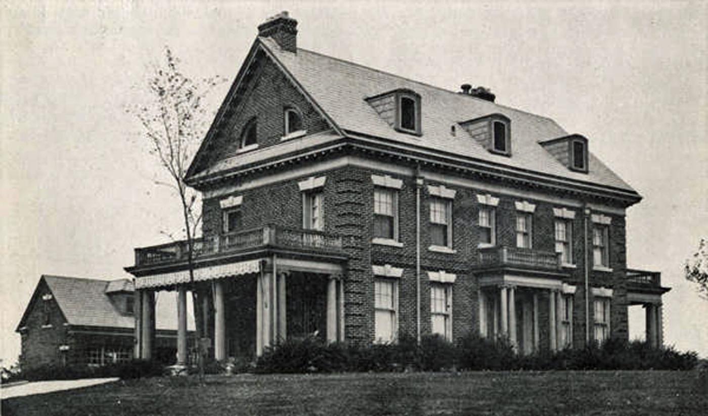 1919 Cambridge Boulevard circa 1918. Georgian Revival style. (Courtesy of the UA Archives.)
